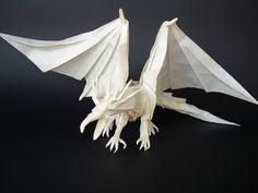Amazing examples of origami paper art. Amazing examples of origami paper art. - Art, Creative - Check out: Amazing Origami Paper Artwork on Barnorama Origami Paper Folding, Origami And Kirigami, Oragami, Origami Ancient Dragon, Origami Dragon, Dinosaur Origami, Ancient Japanese Art, Traditional Japanese Art, Origami Artist