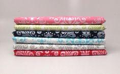 Manufacturer: Riley Blake Designs Designer: RBD Designers Fabric Collection: Hollywood in Medium Sparkle Damask Print Name: Fat Quarter Bundle #rileyblakedesigns #sparkle #damask #hollywood #shimmer #glitter