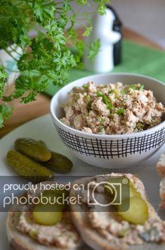 Po 12 latach niejedzenia ryb na nowo odkrywam smak tuńczyka. Okazało się, że nie wywołuje u mnie objawów nietolerancji , przynajmniej w rozs... Healthy Recipes, Healthy Food, Cooking Time, Potato Salad, Dips, Potatoes, Ethnic Recipes, Spreads, Brot