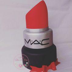 Bolo batom Mac #bolobatom #batom #bolomaquiagem #maquiagem #festamaquiagem #15anos #boloa15anos #bolomac