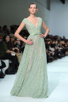 vestido verde água by elie saab