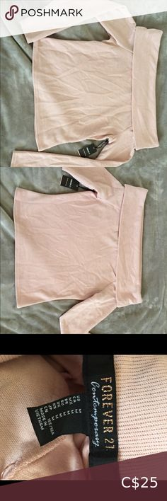 Forever 21 pink off the shoulder sweater med Brand new with tag never worn size medium off the shoulder pink sweater top Forever 21 Tops Crop Tops Plus Fashion, Fashion Tips, Fashion Trends, Pink Sweater, Off The Shoulder, Khaki Pants, Forever 21, Crop Tops, Medium