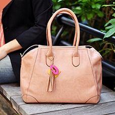 かわいらしさNo.1!ゆるふわ系ファッションとの相性はバツグン。ハズレなしのカラーです。 (働く女子みんなでつくるGIRLS BAG/Normal ¥12,600)