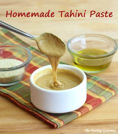 """how to make homemade tahini paste recipe sesame seeds olive oil easy fast."" I'm trying this for the first time to have with homemade Falafel tonight. Homemade Tahini, Homemade Hummus, Tahini Recipe, Hummus Recipe, Tahini Sauce, A Food, Food And Drink, Dips, Vegan Recipes"