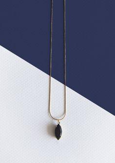 Collar piedra cristal negra (colección invierno 2013/14)  www.facebook.com/sybillebcn