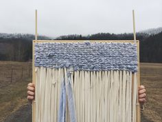 Good picture to look at to figure out myself how to make a loom and make a rag rug myself :D