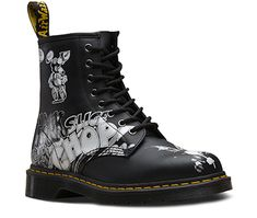 The 1460 is the original Dr. Martens boots - and in this . The 1460 is the original Dr. Martens boots – and in this collection the iconic DNA of the boot is Dr Martens 1460, Doc Martens Stil, Style Doc Martens, Dr Martens Stiefel, White Doc Martens, Doc Martens Outfit, Doc Martens Boots, Dr Martens Store, Dna