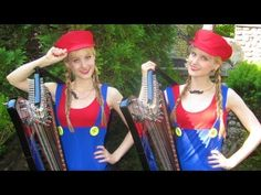 """- WOW: Mario Medley (Harp Twins Electric) Camille and Kennerly, Harp Twins Identical Twins Camille & Kennerly play their electric duet harp arrangement of """"Rainbow Road"""" (from Mario Kart), """"Dire Dire. Blonde Twins, Romantic Music, Young Life, My Generation, Music People, Varanasi, Indie Music, Harp, Super Mario"""