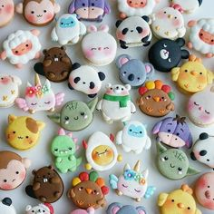 these are macaroons btw ~Macarons stupid. Cute Polymer Clay, Cute Clay, Dessert Kawaii, Cute Food, Yummy Food, Kreative Desserts, Cute Baking, Macaron Cookies, Macaroon Recipes