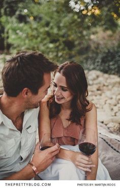 Relaxed Outdoor Couple Shoot Drinking Wine | Photography by Martijn Roos