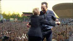 Bruce Springsteen - Dancing In The Dark (Pro-Shot - Hard Rock Calling 2013)