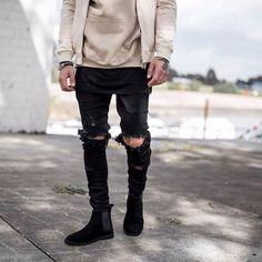 Calça Skinny Masculina, Calça Skinny, Calça Ajustada, Calça Slim, Calça Slim Masculina. Macho Moda - Blog de Moda Masculina: Calça Skinny Masculina: 5 Dicas Essenciais para Usar. Moda Masculina, Moda para Homens, Roupa de Homem. Calça Rasgada, Calça Jeans Destroyed.