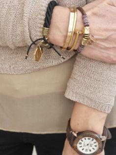 De Charlotte design, pulsera espiga cuero con  tela a 18€.