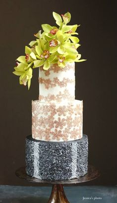 Spectacular Wedding Cakes from Floral Cakes by Jessica MV | MODwedding | Bloglovin'