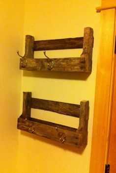 Pallet projects pallet shelves do it yourself home projects Pallet Crafts, Pallet Art, Diy Pallet Projects, Diy Projects To Try, Home Projects, Wood Crafts, Woodworking Projects, Pallet Ideas, Recycled Pallets