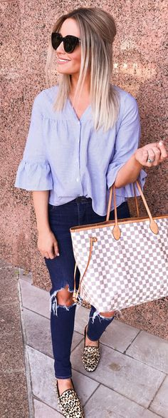 #spring #outfits woman in blue 3/4-sleeved shirt and blue distressed jeans. Pic by @sarahknuth
