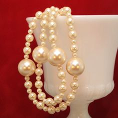 Vintage Faux Pearl Lariat Length Necklace w/Large Faux Pearl Accents