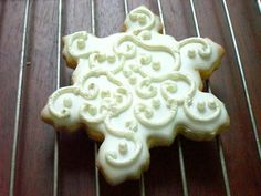 Pearlized White Snowflake Sugar Cookie