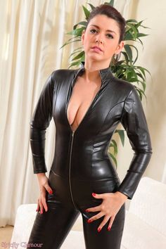 Leather Catsuit, Leather Jumpsuit, Jumpsuit Dressy, Leather Pants, Fast Fashion, Look Fashion, Girl Fashion, Vinyl Clothing, Leder Outfits