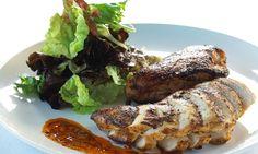 Ce plat n'est pas difficile à préparer et déborde de saveur. Le poulet Peri Peri est originaire de la Mozambique et populaire dans la cuisine portugaise.
