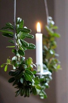 greenery and candlelight Natural Christmas, Scandinavian Christmas, Green Christmas, Country Christmas, Christmas Colors, Simple Christmas, Winter Christmas, Christmas Time, Christmas Crafts