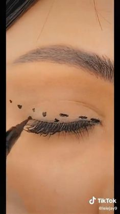 Edgy Makeup, Makeup Eye Looks, Eye Makeup Steps, Eye Makeup Art, Basic Makeup, Retro Eye Makeup, Soft Eye Makeup, Korean Eye Makeup, Korea Makeup