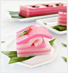 Kuih Lapis (Steamed Layer Cake)