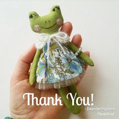Im so overwhelmed by the love you guys have showed for my frog dolls and speechless at a complete sell out this morning! I can't thank you all enough for the encouraging words and supporting this little business I have been blessed to be able to run. I guess I will have to get busy with the next lot of dolls!   #clothdoll #handmadedoll #fabricdoll #textiledolls #heirloomdolls #collectordolls #ooakdolls #ooakclothdoll #handmadetoys #dollmaker #clothdollartist #woodlanddoll #woodlandanimals…