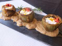 La cocina de Lola: Alcachofas al ajillo con huevos de codorniz y chorizo. Chorizo, Muffin, Pudding, Breakfast, Desserts, Quail Eggs, Vegetables, Cooking, Garlic
