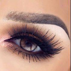 Let's talk about these lashes 😱 RAQUEL by 👄 como ven estas pestanas amores ? Flawless Makeup, Gorgeous Makeup, Pretty Makeup, Love Makeup, Makeup Inspo, Makeup Inspiration, Makeup Goals, Makeup Tips, Beauty Makeup