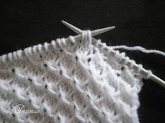 Tricot et compagnie: Point ajouré Knitting Help, Knitting Stiches, Knitting Blogs, Knitting Projects, Baby Knitting, Knitting Patterns, Crochet Patterns, Types Of Yarn, Knit Crochet