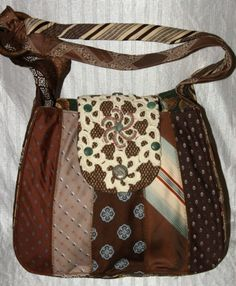 Upcycled-Repurposed Brown and Blue Colored Hobo Style Shoulder Bag Neck-Tie Purse.never thought to recycle ties this way. Necktie Purse, Necktie Quilt, Purse Patterns, Sewing Patterns, Old Ties, Shabby Chic Stil, Tie Crafts, Hobo Style, Mk Bags