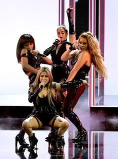 The group debuted its new four-woman lineup at the People's Choice Awards, its first appearance as a group since Camila Cabello left Fifth Harmony in December. Harmony‬ Choice Fifth Harmony Cabello‬ Choice Ödülleri‬‬ Fifth Harmony No Brasil, Fifth Harmony Ally, Fith Harmony, Ally Brooke, Simon Cowell, Ellen Degeneres, Britney Spears, Blake Shelton And Gwen, X Factor