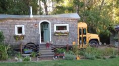 The Thompsons Family School Bus Tiny House 003