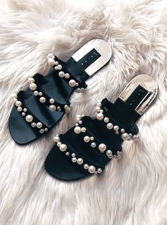 So, I actually bought these sandals at the beginning of the year, and I'm just now breaking them out of their box. Last year they sold out so fast, I wasn't able to get them. Cute Sandals, Cute Shoes, Me Too Shoes, Shoes Sandals, Black Sandals, Flats, Dream Shoes, Crazy Shoes, Trendy Shoes