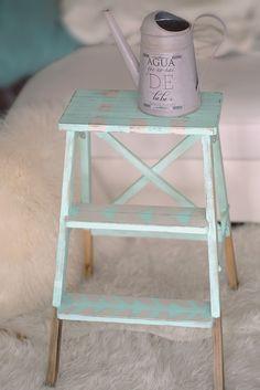diy. convierte tu escalera de ikea en vintage con chalkpaint