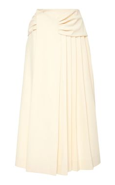 Carven's skirt is crafted from cady and rendered in a cream hue. Cut to sit above your hips, this style is gathered at the waist and is pressed with sharp pleats. Wear yours for day with a top and sandals. 1940s Dresses, Vintage Dresses, Vintage Outfits, Vintage Fashion, Skirt Outfits, Dress Skirt, Modele Hijab, Casual Day Dresses, Carven