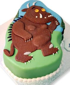 gruffalo birthday cake