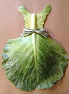 Dress Cabbage Patch from 365 Dresses - My year long creative journey Vegetable Decoration, Food Decoration, Creative Food Art, Creative Artwork, Deco Fruit, Fruit Creations, Food Art For Kids, Fruit And Vegetable Carving, Food Carving