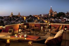 The best bars in San Miguel de Allende for all ages, tastes and personalities.
