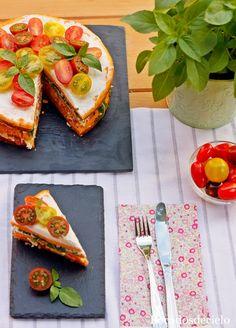 Pastel de salmón, rúcula y pimiento