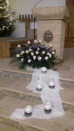 Church Christmas Decorations, Flower Decorations, Table Decorations, Creativity, Flowers, Home Decor, Altars, Floral Decorations, Decoration Home