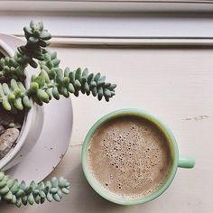 Coffee Is Life, My Coffee, Coffee Beans, Coffee Shops, Coffee Time, Morning Coffee, Tea Time, Coffee Mugs, Caramel Latte