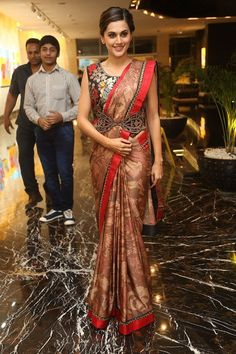 Get the latest pictures of hot Bollywood actress Taapsee Pannu. Explore 100 best Taapsee Pannu wallpapers HD and her latest pictures. Indian Gowns Dresses, Indian Outfits, Indian Beauty Saree, Indian Sarees, Saree With Belt, Raw Silk Lehenga, Sari Blouse Designs, Stylish Sarees, Saree Styles