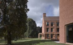 Image 19 of 27 from gallery of Dancy House, Marlborough College / Allies and Morrison. Photograph by Nick Guttridge Marlborough College, Clay Roof Tiles, Boarding House, Brick Architecture, Brickwork, Urban Planning, Building Design, Mansions, House Styles