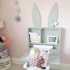 the cutest DIY kid's desk...