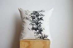 Hey, I found this really awesome Etsy listing at https://www.etsy.com/listing/169367926/sofa-throw-leaf-motif-botanical-plant