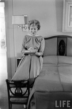 Gracie Allen by her antique bed, George Burns, Antique Beds, Celebs, Celebrities, Classic Movies, Hollywood, Stars, Tv, Vintage