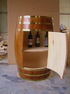 F ts de vin sur pinterest tonneaux table de tonneau de - Comment decorer un plateau en bois ...