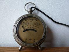 Online veilinghuis Catawiki: Radio volt meter